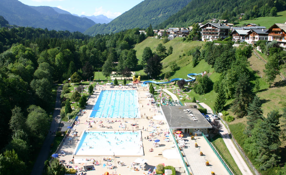 Morzine's outdoor swimming pool